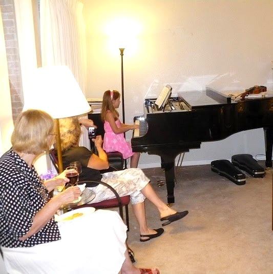 """Mer playing """"Ode to Joy"""""""